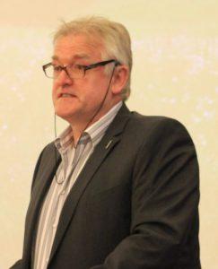 Norbert Hellmann, HKR Landschaftsarchitekten, Reichshof, und Fachsprecher Landschafts- planung im Bund Deutscher Land- schaftsarchitekten NRW.