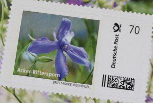 Acker-Rittersporn_Individuelle-Briefmarke-Stiftung-Rheinische-Kulturlandschaft
