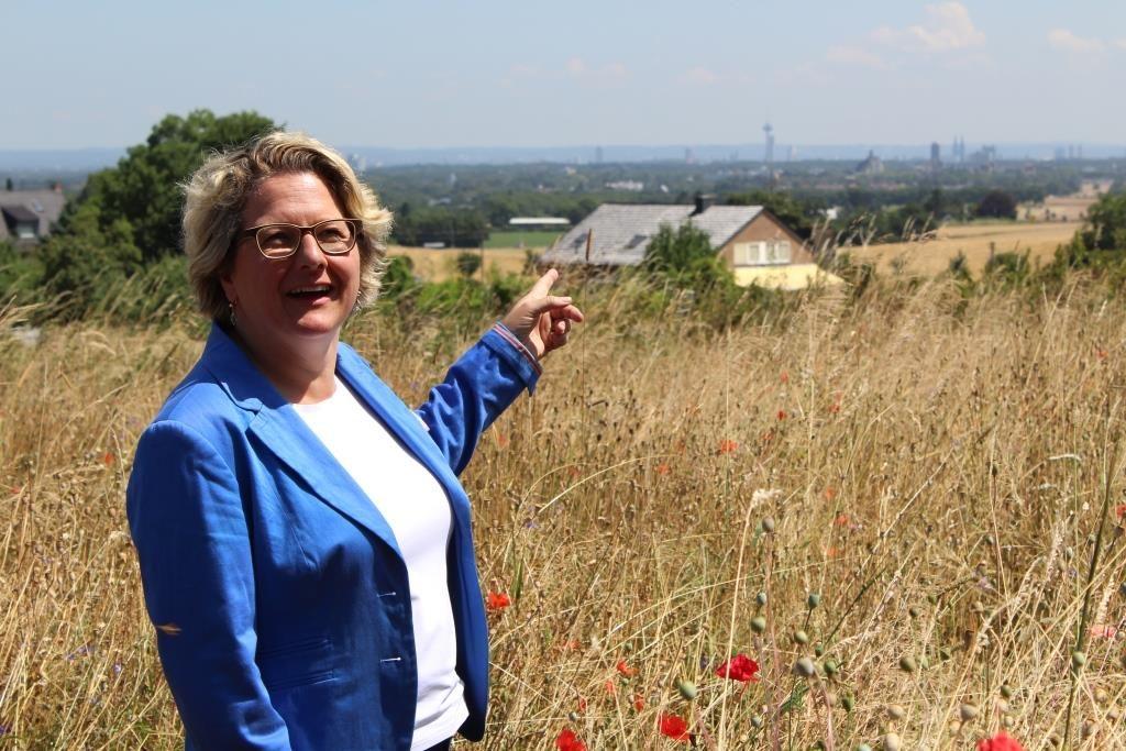Bundesumweltministerin Svenja Schulze Sommerreise Rheinland Stiftung Rheinische Kulturlandschaft